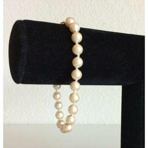 """Vintage Monet Faux Pearl Strand Clasp Bracelet 8"""""""